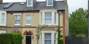 Lynwood House