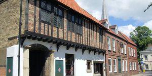 Tudor Rose Hotel